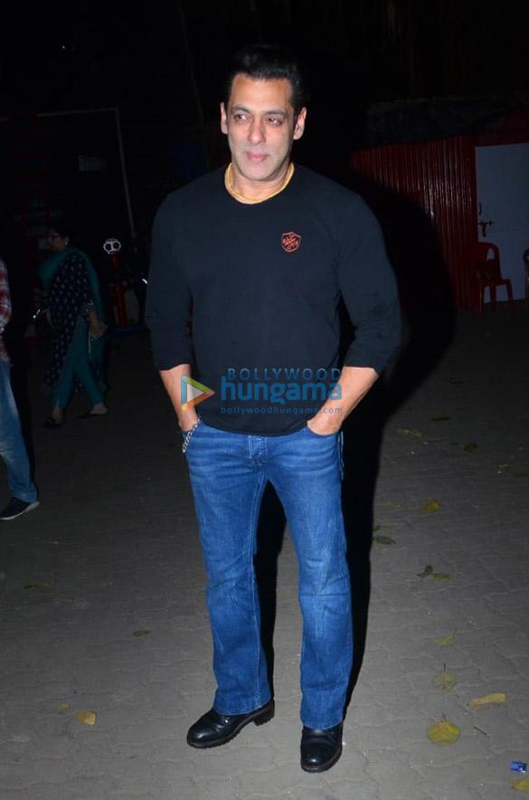 Photos Salman Khan celebrates his birthday with media (9)