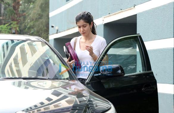 Photos Shanaya Kapoor spotted at a dance class (2)