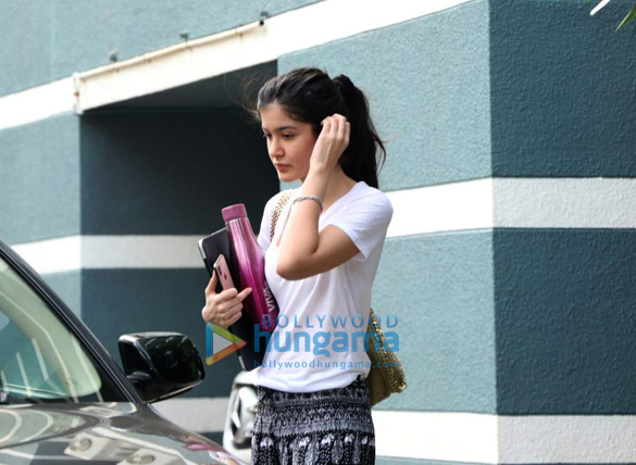 Photos Shanaya Kapoor spotted at a dance class (3)