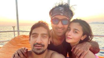 Alia Bhatt poses by the sea with her best boys, Ranbir Kapoor and Ayan Mukerji