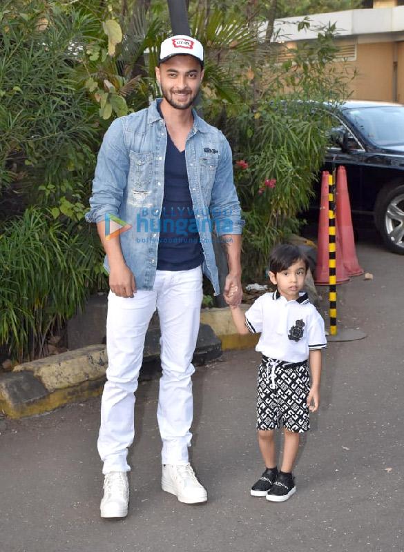 Photos Celebs attend Ekta Kapoor's son Ravie Kapoor birthday party1 (5)