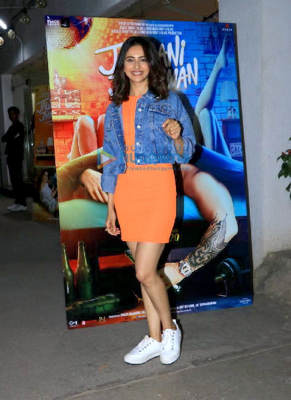 Photos Celebs attend the special screening of the film Jawaani Jaaneman at Juhu PVR1 (5)