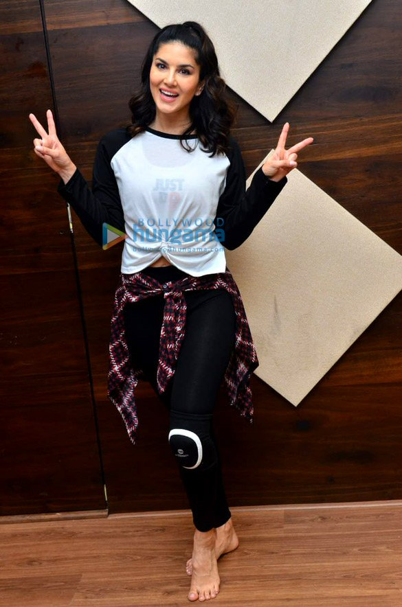 Photos: Sunny Leone spotted at a dance class in Andheri