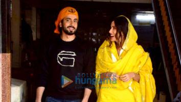 Photos: Sunny Singh Nijjar and Sonnalli Seygall snapped at a Gurudwara ahead of 'Jai Mummy Di' release