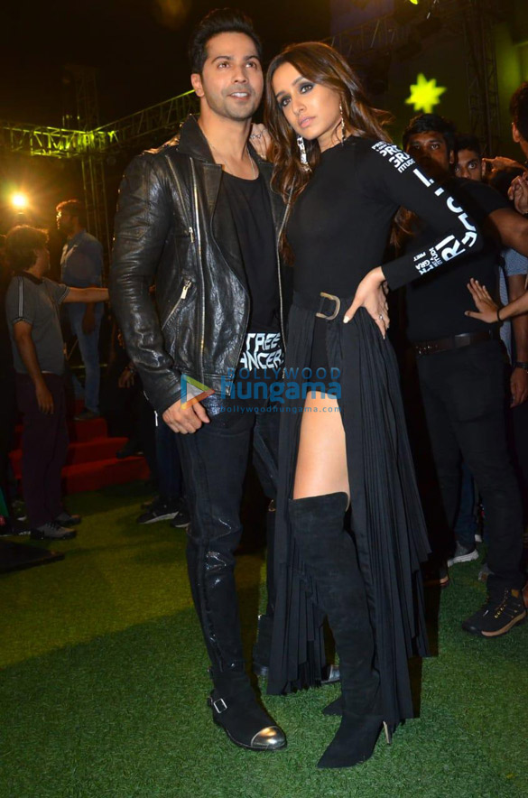 Photos Varun Dhawan and Shraddha Kapoor snapped promoting their film 'Street Dancer 3D' at JRM grounds (4)