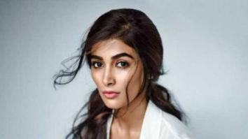 Pooja Hegde is overwhelmed upon seeing a super fan's gesture