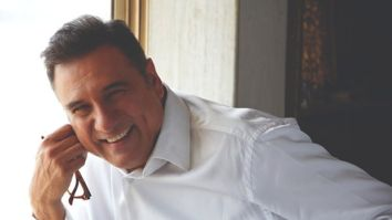 """Fans ask me for a 'Jaadoo Ki Jhappi' over autographs and pictures""- says Boman Irani on Hug Day"