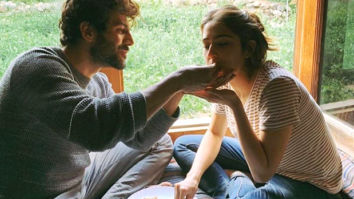 Kartik Aaryan and Sara Ali Khan eat from the same plate on the sets of Love Aaj Kal, leave SarTik fans gushing!