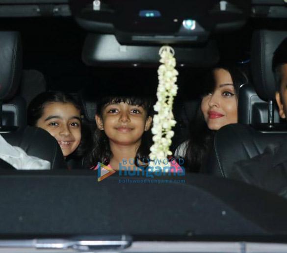 Photos Aishwarya Rai Bachchan and Aaradhya Bachchan spotted at a dance class (3)