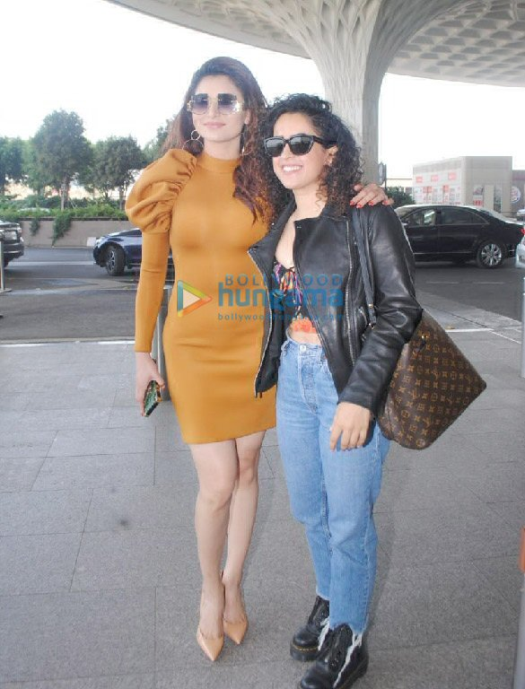 Photos Alia Bhatt, Ananya Panday, Mouni Roy and others snapped at the airport (7)