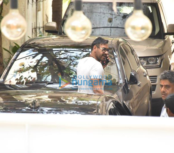 Photos Deepika Padukone, Ajay Devgn and Kabir Khan snapped at a dubbing studio (5)