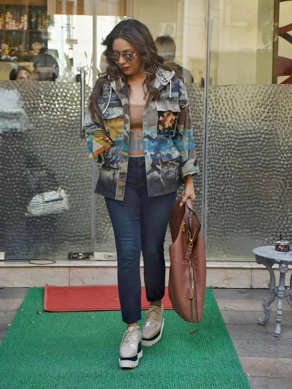Photos Gauri Khan spotted at Muah salon in Bandra (2)