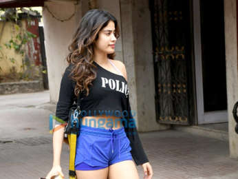 Photos: Janhvi Kapoor spotted outside the gym