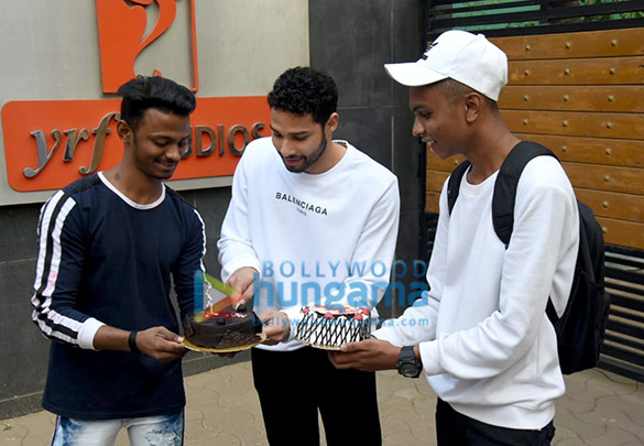 Photos Siddhant Chaturvedi celebrates one year of Gully Boy (1)