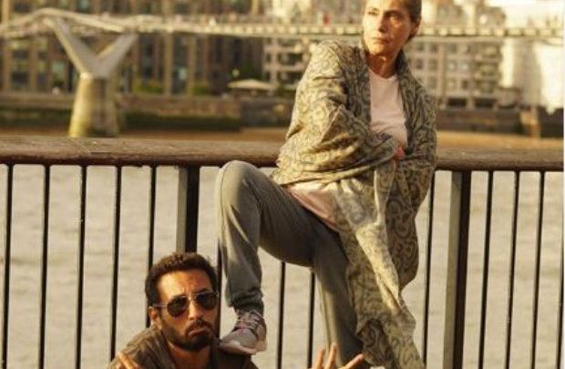 Angrezi Medium: Homi Adajania says Kareena Kapoor and Dimple Kapadia's are a reflection to Irrfan and Radhika's characters