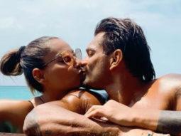 Bipasha Basu and Karan Singh Grover end their grand vacation with a kiss