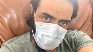 Amidst coronavirus outbreak, Arjun Rampal advises followers to wear mask and carry hand sanitizer
