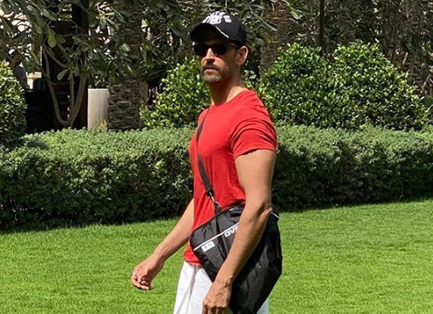 Hrithik Roshan shares picture with a towel wrapped around his waist; credits Ranveer Singh as his fashion inspiration