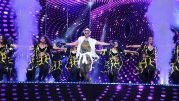 Hrithik Roshan's ZABARDUST Performance at Zee Cine Awards 2020