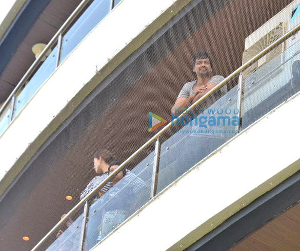 Photos Celebs indulge in clapping during Janta Curfew2 (1)