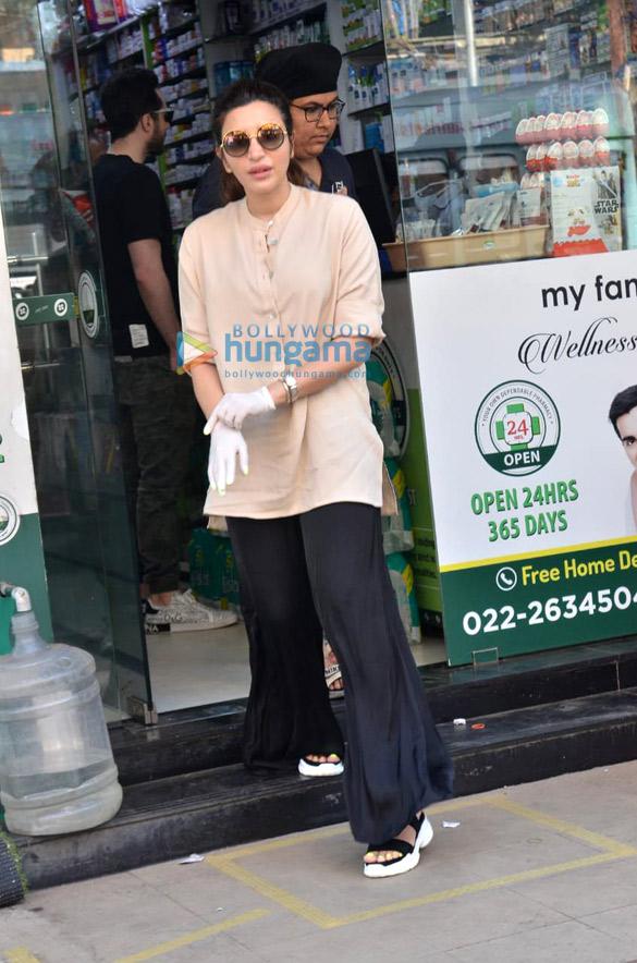 Photos Shama Sikander snapped at a medical shop (4)