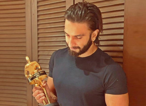 Ranveer Singh bags the Best Actor award at the Critics' Choice Film Awards 2020 for Gully Boy!