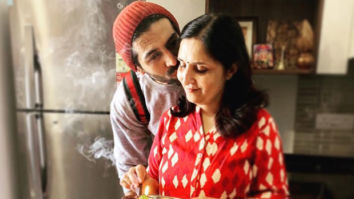 Watch: Kartik Aaryan's mother insisting him to wear his arm cast is pure love