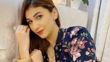 Jasleen Matharu clears rumours about being married after posting a cryptic picture with chooda and vermillion