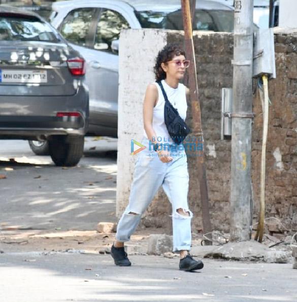 Photos Kiran Rao snapped in Bandra (1)