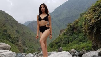 Sonnalli Seygall's videos and pictures are all the motivation you need to start Yoga right away