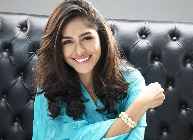 Mrunal Thakur says she played the role of a mother of two at 18
