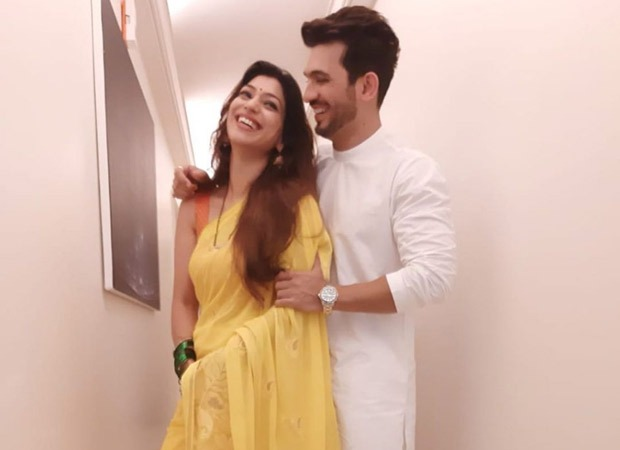 Arjun Bijlani celebrates his 7th wedding anniversary with wife Neha Swami and shares an aww-dorable video