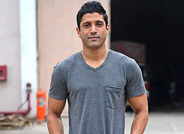 Farhan Akhtar donates consignment of PPE kits to Cama hospital in Mumbai