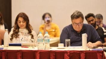 Makers of Sharmaji Namkeen starring Rishi Kapoor and Juhi Chawla determined to complete the film