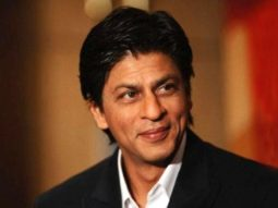 Shah Rukh Khan urges everyone to contribute towards healthcare soldiers, in supplies of PPE kits and ventilators