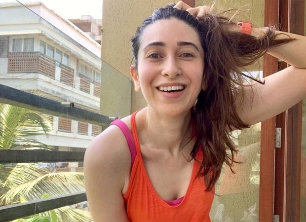 Karisma Kapoor chills within the balcony put up exercise, goes 'say squeeze' : Bollywood Information 7