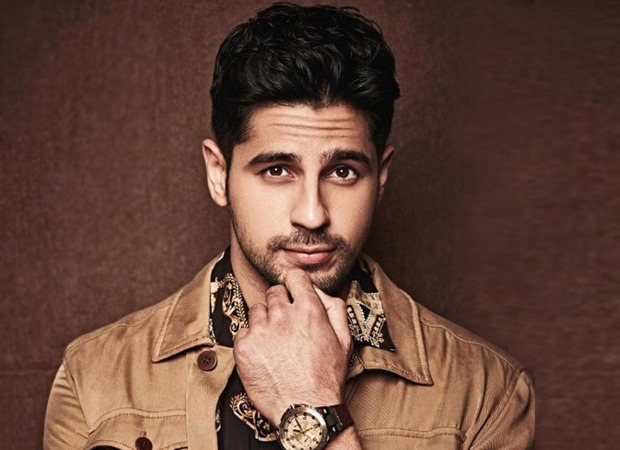 Bollywood dancers thanks Sidharth Malhotra for his help with a special video