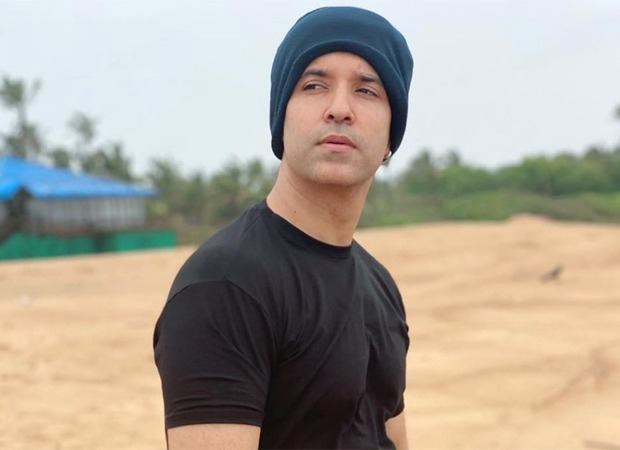 Aamir Ali sports a clean shaven look for his upcoming project