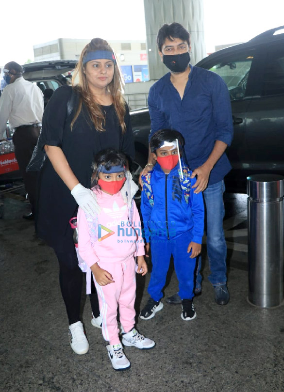 Photos Bellbottom team snapped at the airport, leave for Scotland (5)