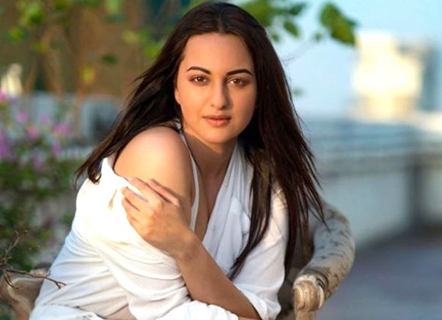 Sonakshi Sinha talks about staying away from Twitter; takes a dig at Kangana Ranaut