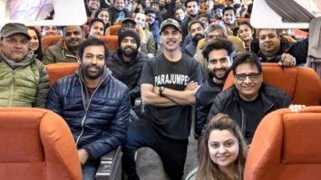 Akshay Kumar starrer Bell Bottom's team is all smiles as they return to Mumbai