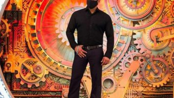 Bigg Boss 14: Ahead of the premiere, Salman Khan shares a photo from the set wearing a mask
