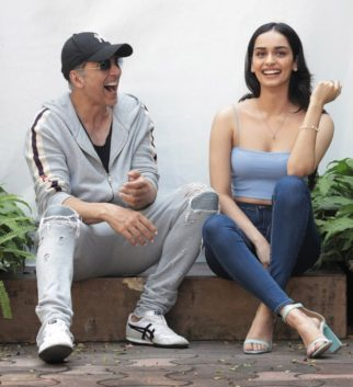 """I was excited to be on sets with Akshay Kumar sir because I have learnt so much from him"" - says Manushi Chhillar on making debut with YRF's Prithviraj"