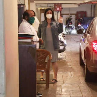 Kareena Kapoor & Saif Ali Khan Snapped At Bandra