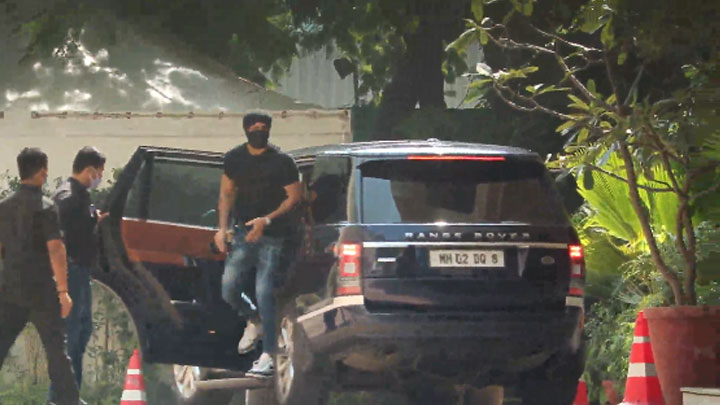 Ranbir Kapoor spotted at YRF studio Andheri