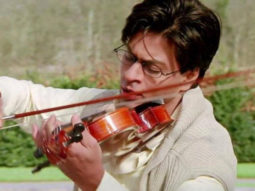 "20 years of Mohabbatein: Shah Rukh Khan records the popular dialogue ""Pyaar aisa hota hai' and shares with his fans"