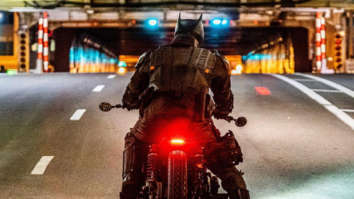 The Batman star Robert Pattinson rides Batcycle in the newly surfaced photo from the set in Chicago