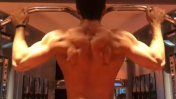 Watch: Tiger Shroff flexing his perfectly toned body leaves his fans amazed