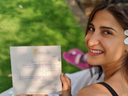 Aahana Kumra can't stop smiling as she receives a note and flowers from Amitabh Bachchan
