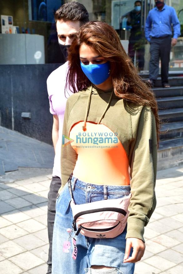 Photos: Disha Patani spotted at Maple store